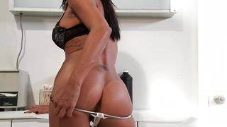 Remarkable busty Kirsten Price likes to have sex with hunk early in the morning
