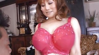Tempting babe with firm tits seems innocent but rides dink like a pro