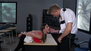 Hot brunette maiden Brooklyn Chase with big tits likes to fuck and suck a massive packing monster