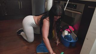 Ambitious busty brunette Carmen De Luz squeezes the hard dink with her wet cuchy