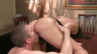 Pungent busty brunette Lisa Ann likes a good fuck almost as much as she likes to suck big stick