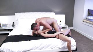 Alluring busty Alektra Blue hungrily blows a large dick