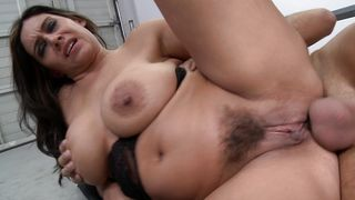 Aphrodisiac busty lady Raylene gave a blowjob to a mate and spread her legs wide for him