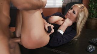 Sensual busty blonde girlie Tasha Reign reaches a huge orgasm and she is satisfied