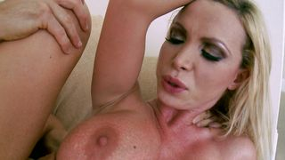 Marvelous Nikki Benz with curvy tits enjoys an and relaxing foreplay