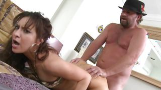 Exquisite busty Eva bags with her perverted stranger