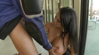 Busty Jenna Presley with tasty body curves fucks like a skilled courtesan