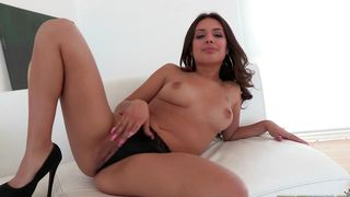 Overwhelming busty brunette Jynx Maze eagerly rides a fang