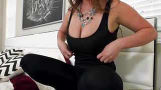 Racy busty maid Alice Lighthouse and lover she met the other day are doing it