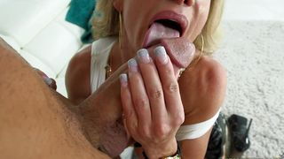 Cheerful busty Raquel Sultra receives a thorough plowing