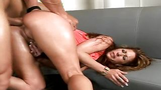 Dishy busty blonde hottie Tiffany Mynx lets a lad to pound her eager vagina