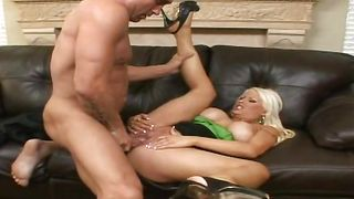 Playful blonde gf Candy Manson with big tits gets her wet cooter pleasured