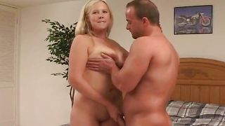Worshipped blonde diva Kendra with big tits and bf are about to have sex