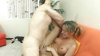 Stunning Jessi Summers with great tits needs her hairy muff to be smashed