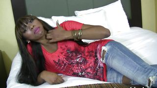 Cute darling Mona Bella with impressive tits gets her shaved quim eaten and gives a blowjob