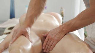 Lusty lady Sheila with impressive tits gets her cunny tongue fucked by muscular stud